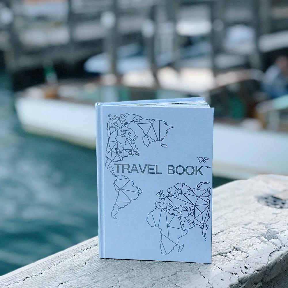 Travel Book голубой