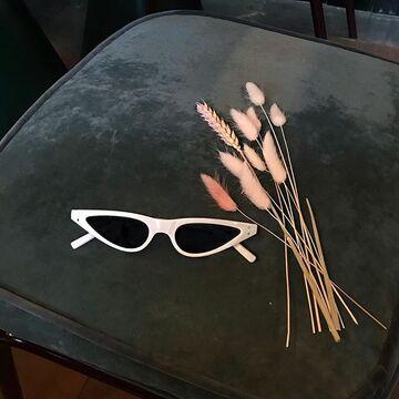 Білі окуляри №12