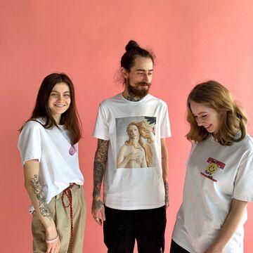 Біла унісекс футболка MK Pill