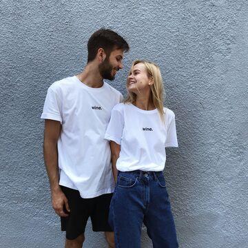 Біла футболка Wine