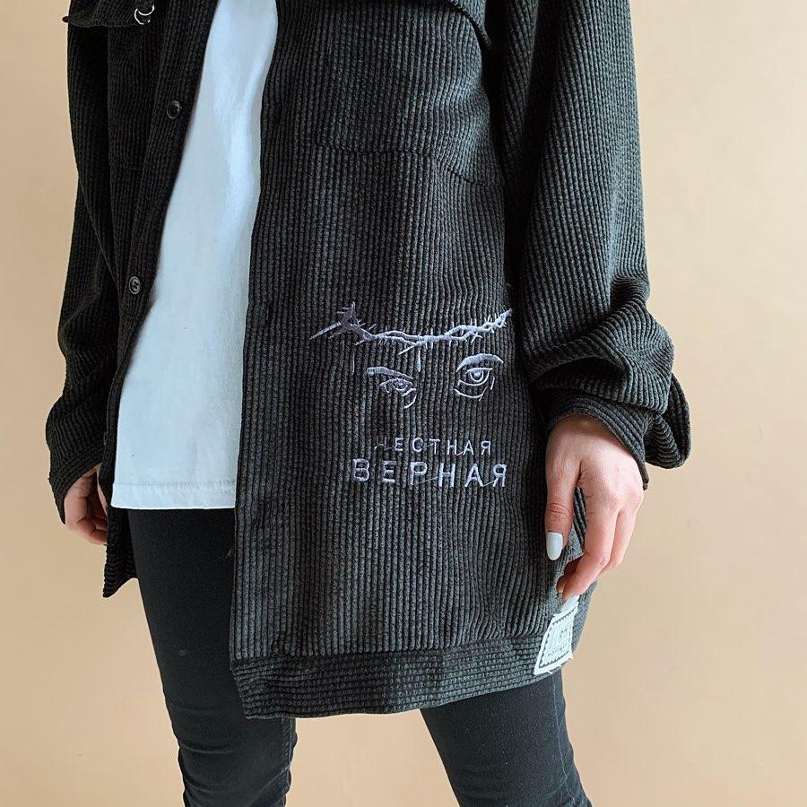 Чорна вельветова сорочка Ісус