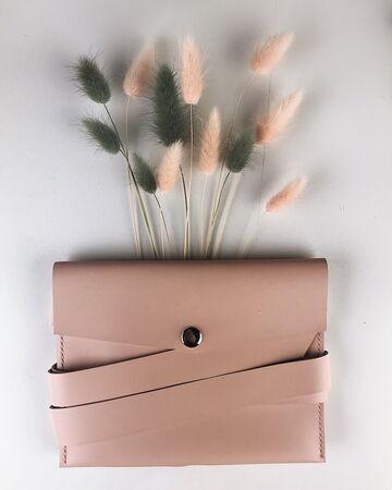 Світло-рожева сумка