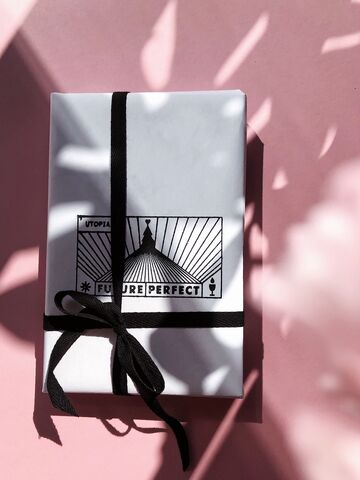 Упаковка з печатками Future Perfect