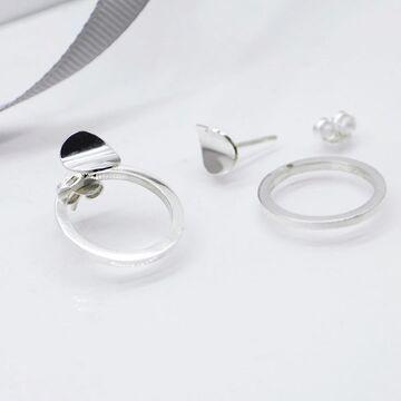 Задня частина сережки у формі кола