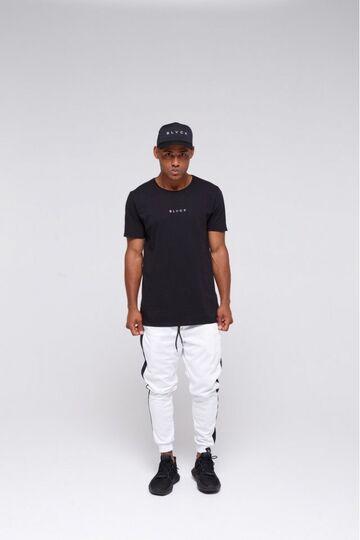 Чорна футболка з вишивкою Blvck