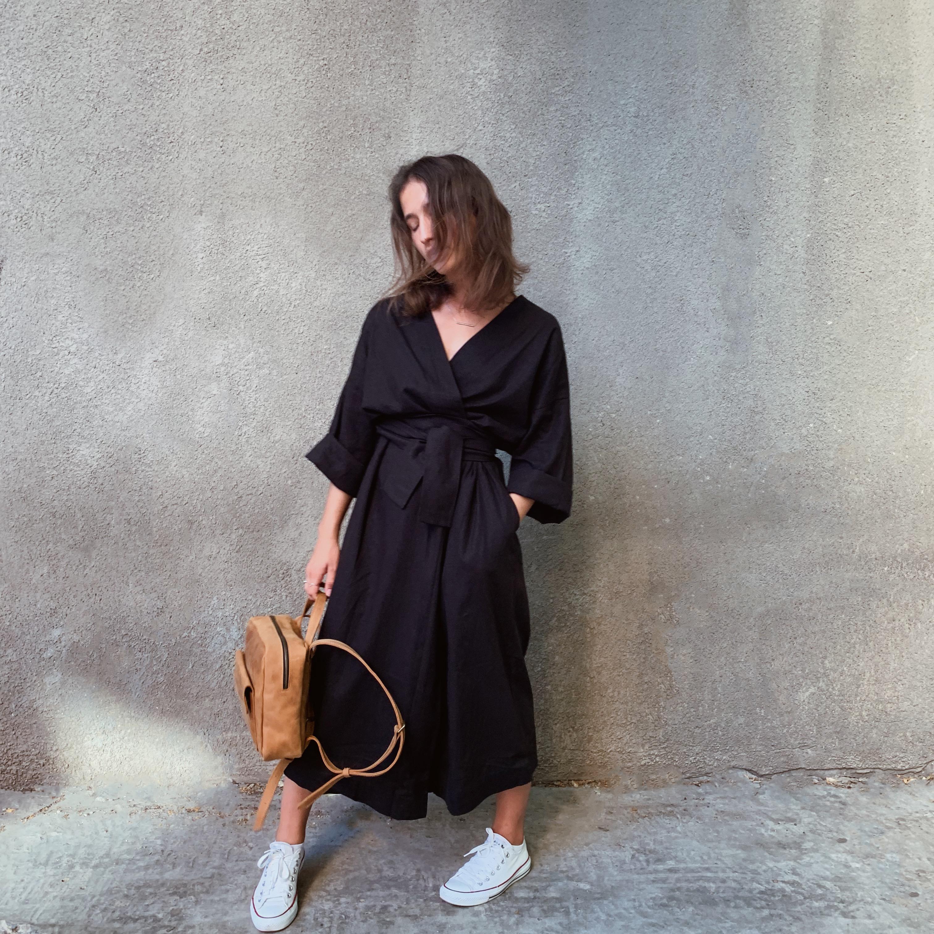 Чорний халат-кімоно з поясом