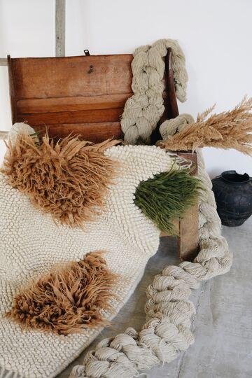 Прямокутний бежевий килим