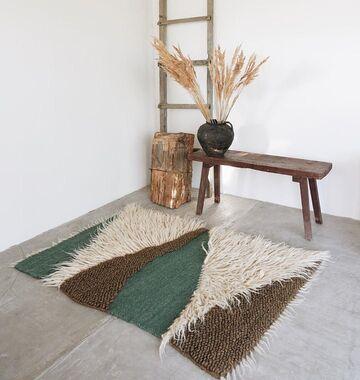 Бежево-зелений килим