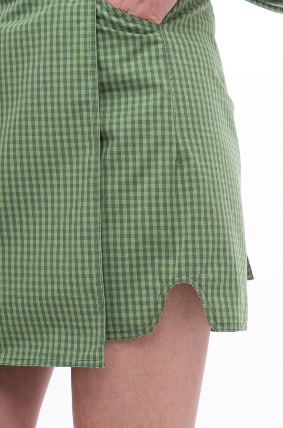 Зелена спідниця на запах в клітинку