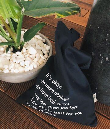 Чорна сумка It's Okay