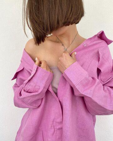 Лляна яскраво рожева сорочка