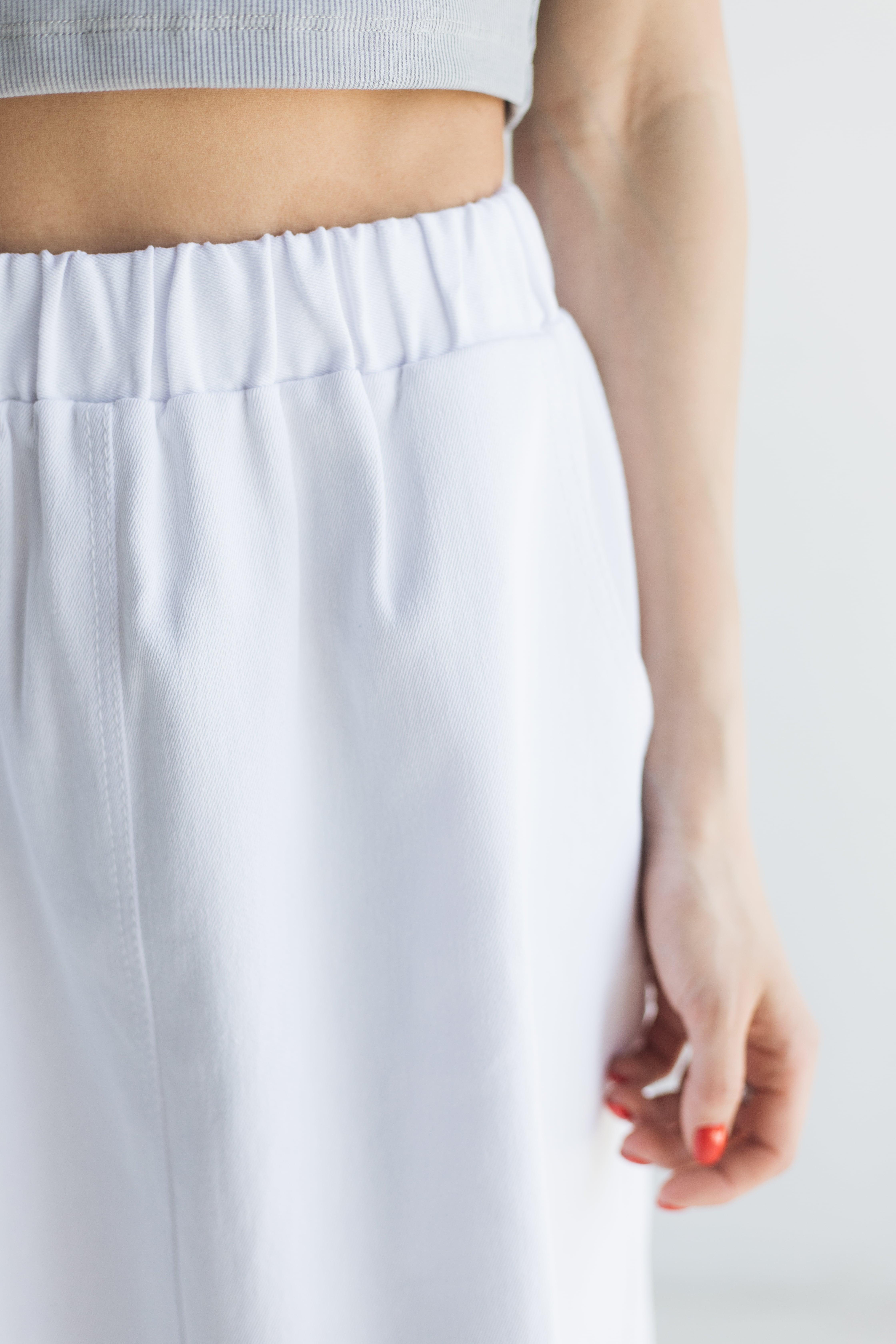 Біла спідниця на резинці