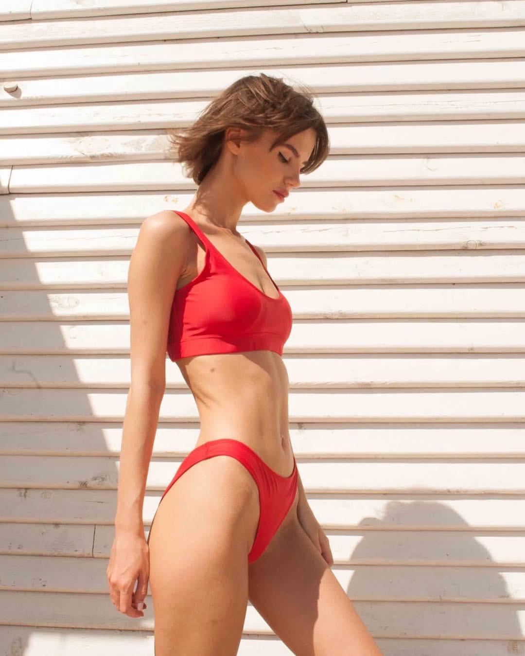 Червоні плавки Sporty