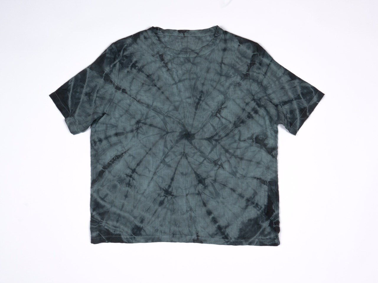 Блакитна лляна футболка з принтом тай-дай