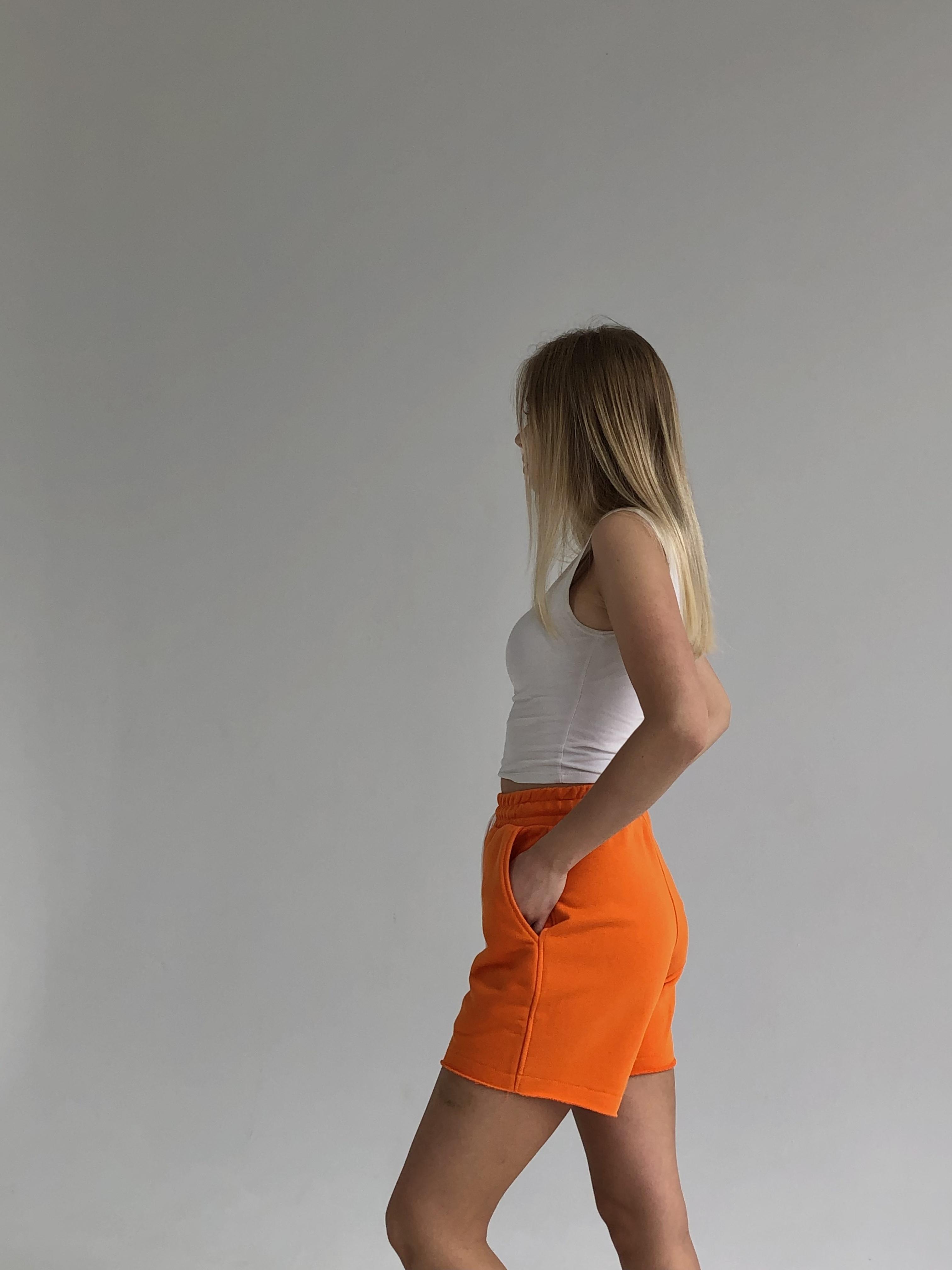 Оранжеві Жіночі шорти