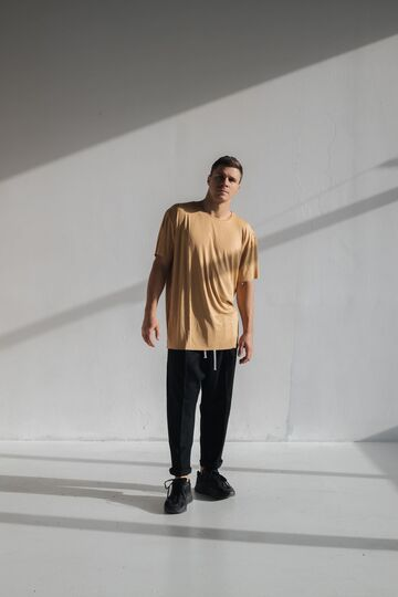 Гірчична футболка